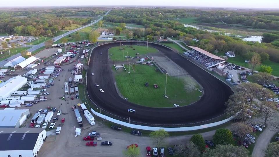 Auto Racing Bruening Wins Yankee Dirt Track Clic